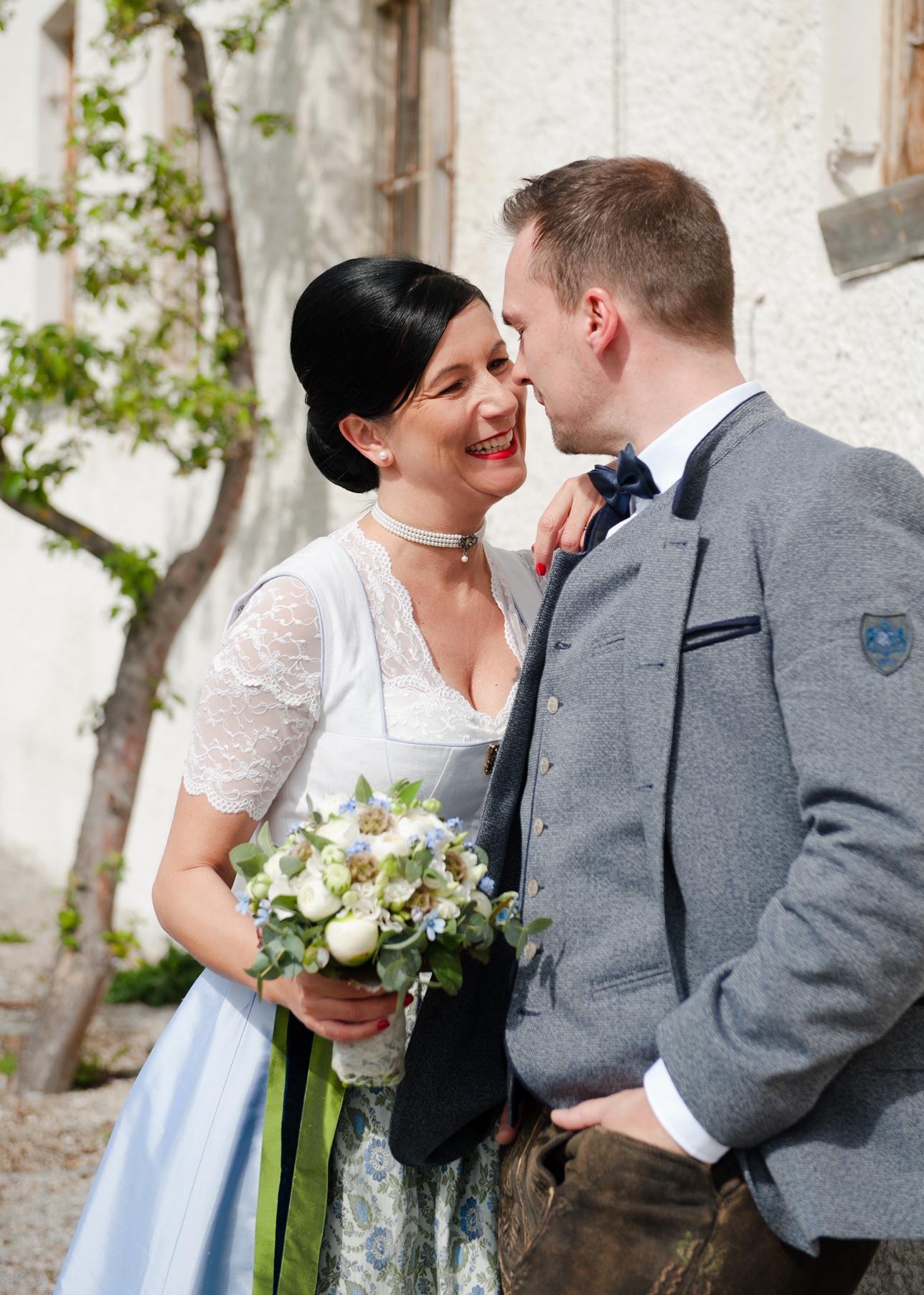 Hochzeitsdirndl von AlpenHerz auf der Hochzeit von Martina und Michael im April 2019