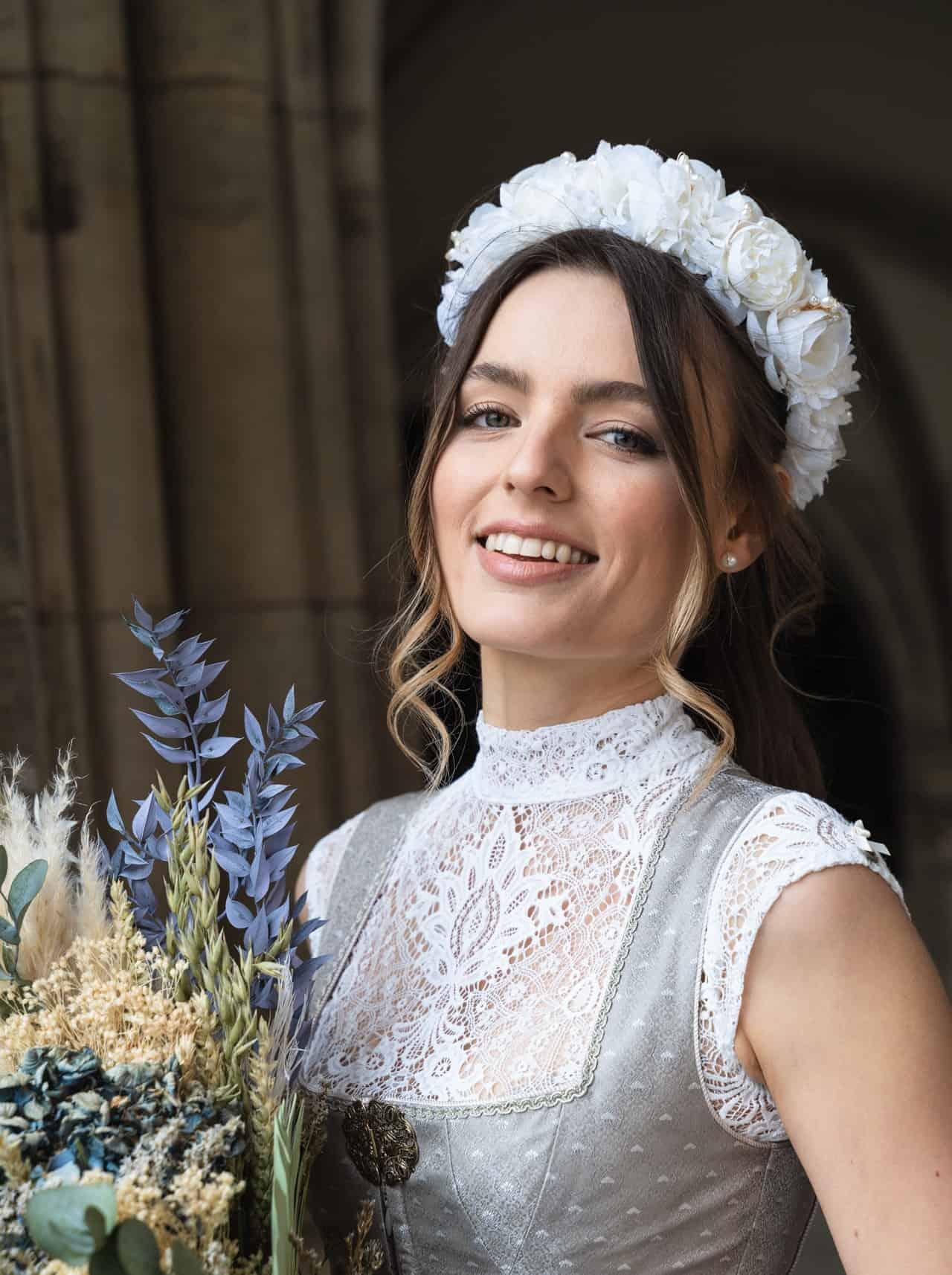 Hochzeitsdirndl Jade - Bluse Aileen ecrue